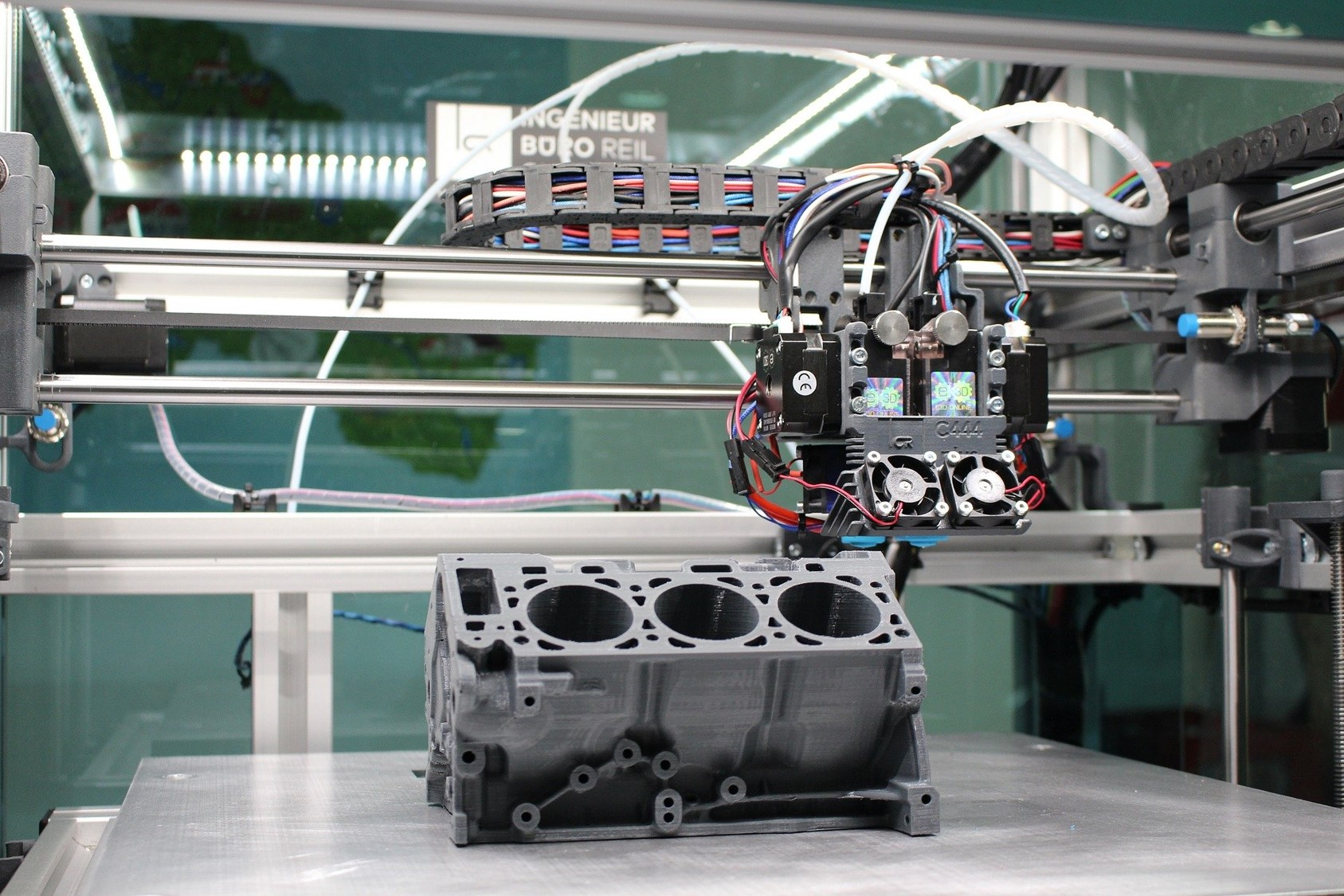 3D printing in industries. Impression 3D dans l'industrie