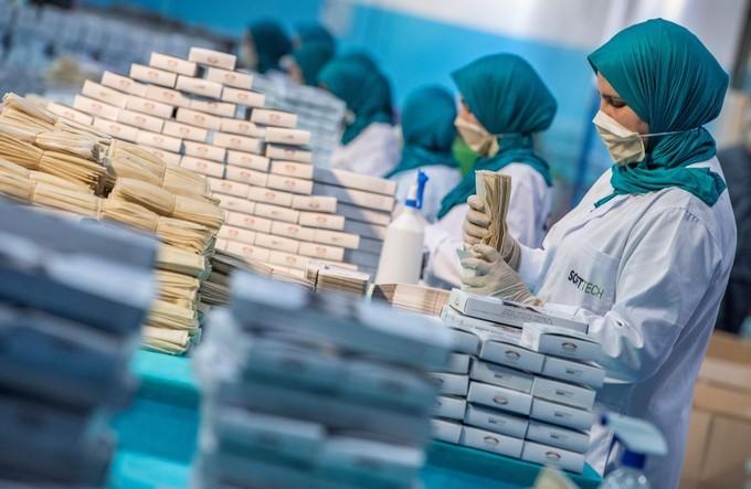 Innovations en Afrique : Les solutions pour un monitoring de précision des cas de COVID-19. Une meilleure réponse du consortium africain dans l'approvisionnement en masques chirurgicaux.